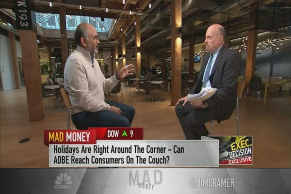 Adobe CEO says holiday season to hit $100 billion in online sales, mostly via mobile
