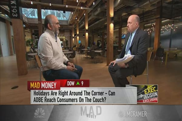 Adobe CEO: Holiday to hit $100 billion in mostly mobile sales