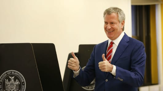 New York Mayor Bill de Blasio votes at a public library in Brooklyn on Election Day on Nov. 7, 2017 in New York City.