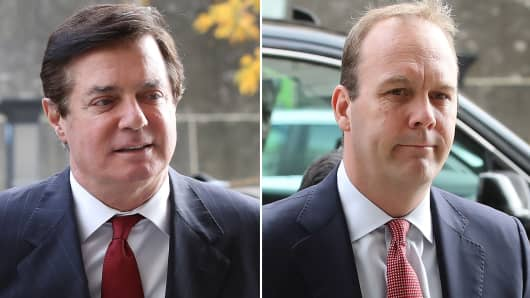 Paul Manafort and Richard Gates arrive at the Prettyman Federal Courthouse for a bail hearing November 6, 2017 in Washington, DC.