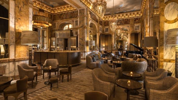 Bar Les Ambassadeurs at the Hotel de Crillon