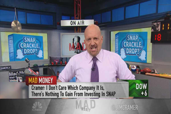 Cramer says Snap shouldn't even be a public company due to its 'hellish earnings'