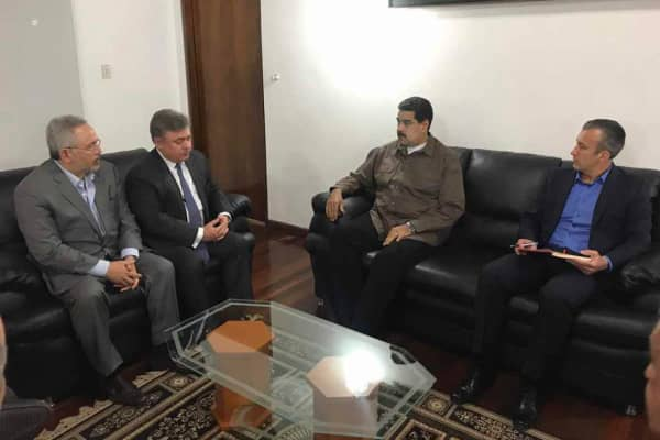 A photo tweeted by PDVSA shows PDVSA President Nelson Martínez (left), Chevron President for the Americas and Africa Clay Neff, Venezuelan President Nicolás Maduro and Venezuelan Vice President Tareck El Aissami meeting in Caracas, Venezuela.