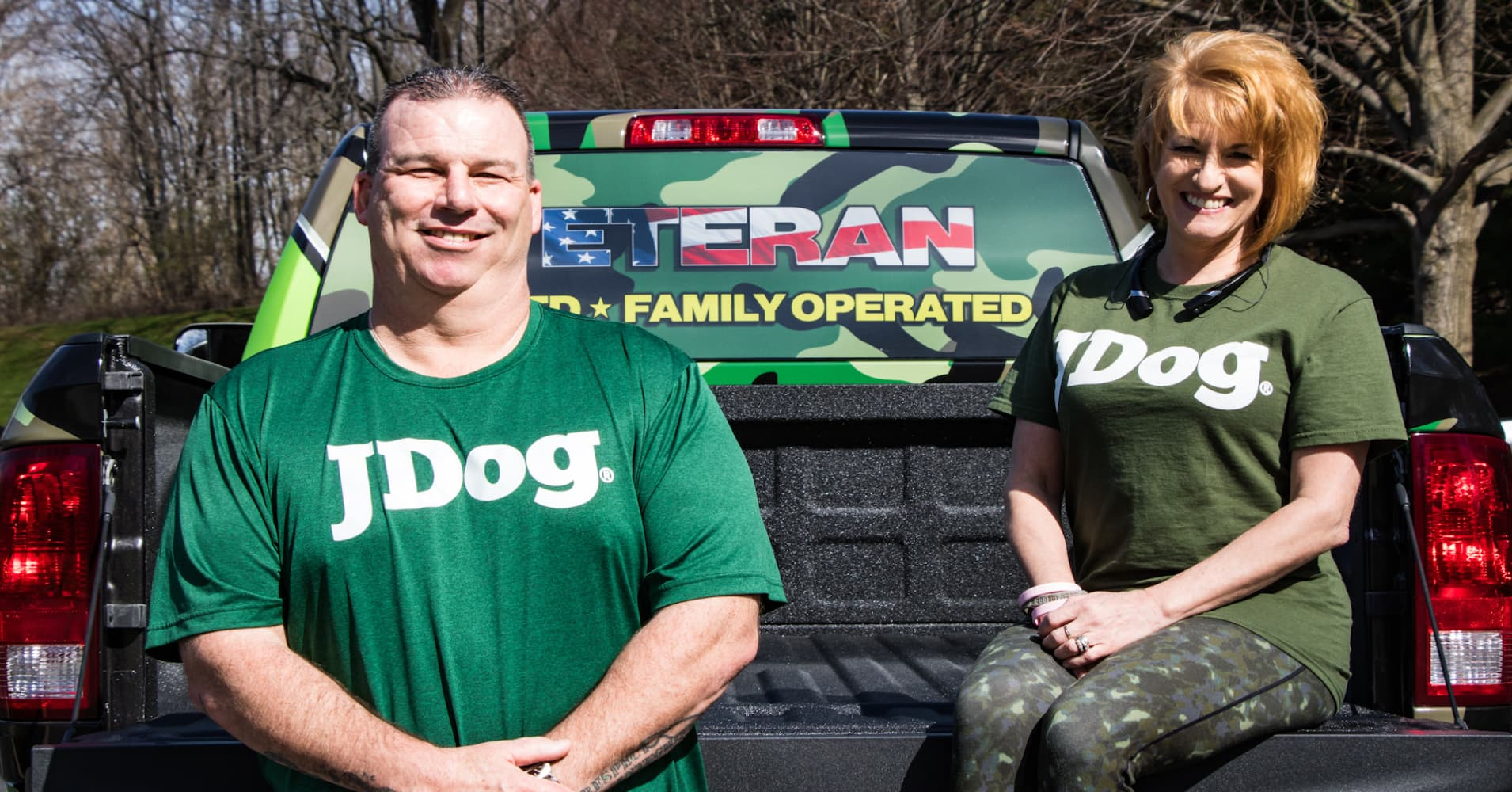 This veteran's junk hauling business is bringing in millions and helping  put veterans back to work