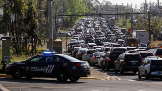 Darkness Returns to San Juan, Power Line Fails