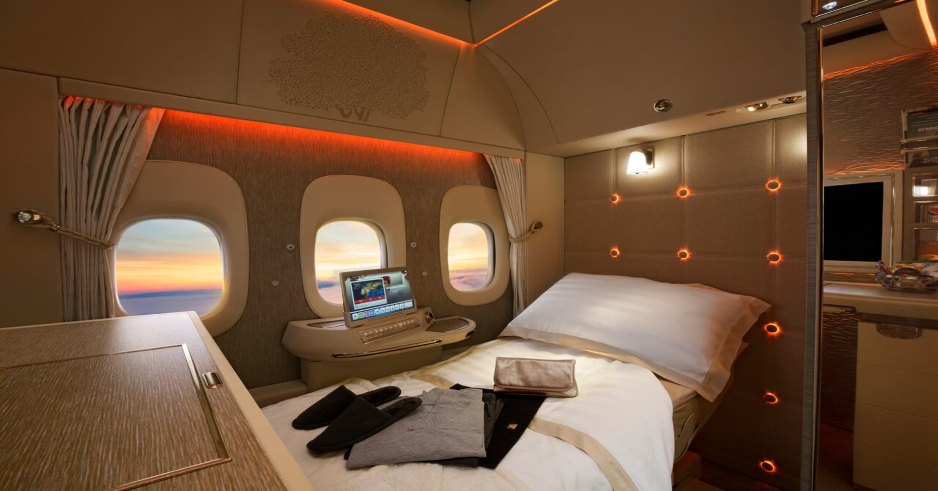 The main difference between business class Arab airlines from European 24