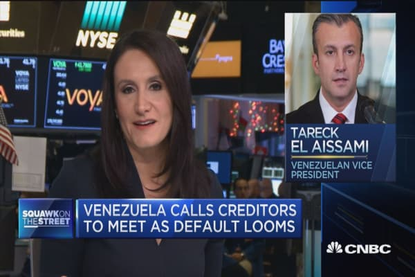Venezuela calls creditors to meet as default looms