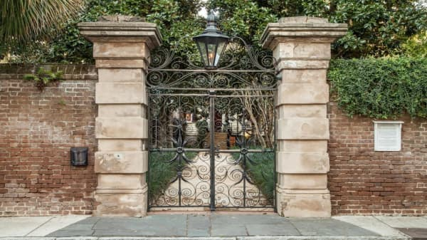 Charleston mansion expected to break real estate records