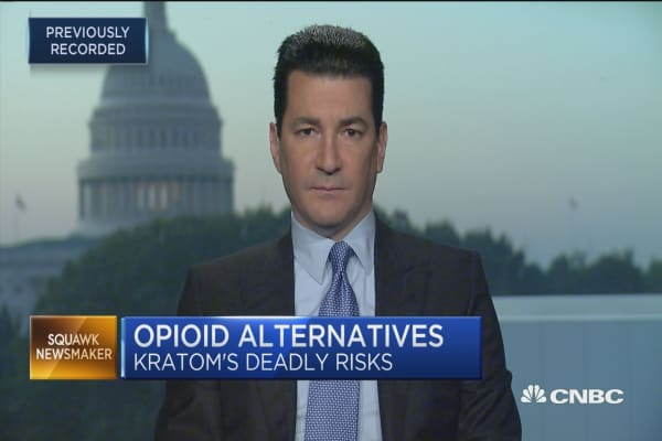 FDA commissioner warns consumers about using kratom to treat opioid addiction