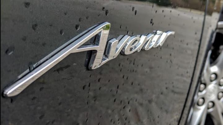 The Buick Enclave Avenir logo