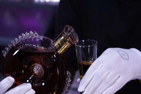 One shot of Remy Martin Louis XIII is poured into 'The Velvet Goldmine'