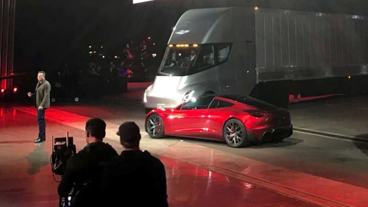 Tesla is 'going out of business,' says former GM exec Bob Lutz