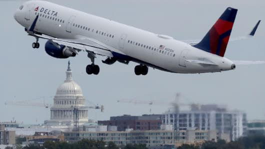 Thanksgiving holiday travelers should allow extra time at Chicago airports