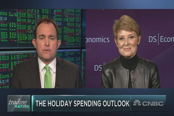 Strong economy points to holiday retail cheer, but not for all, Economist Diane Swonk says