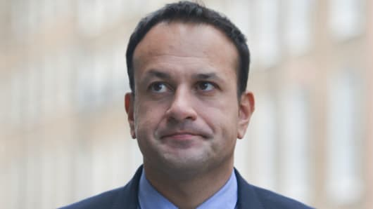 An Taoiseach and Leader of Fine Gael, Leo Varadkar, arrives at Fine Gael HQ on 5 Oct. 2017, in Dublin, Ireland.