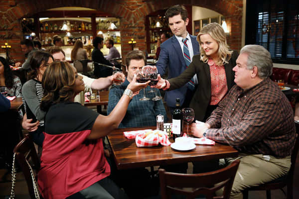 The Parks and Recreation gang going out for drinks