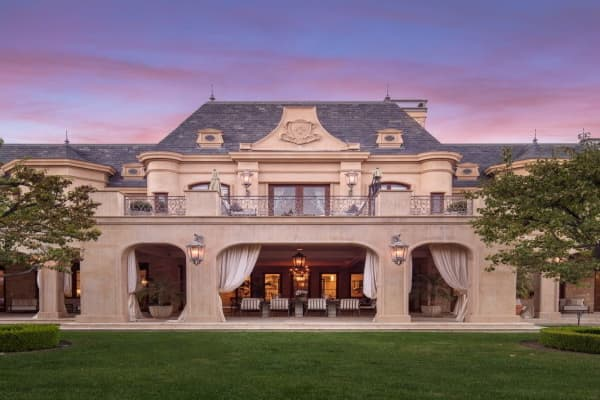 Inside the 45 million california mansion with a moat and for 500 000 dollar homes in texas