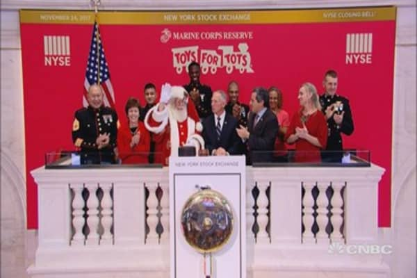 Toys for Tots rings closing bell at the NYSE