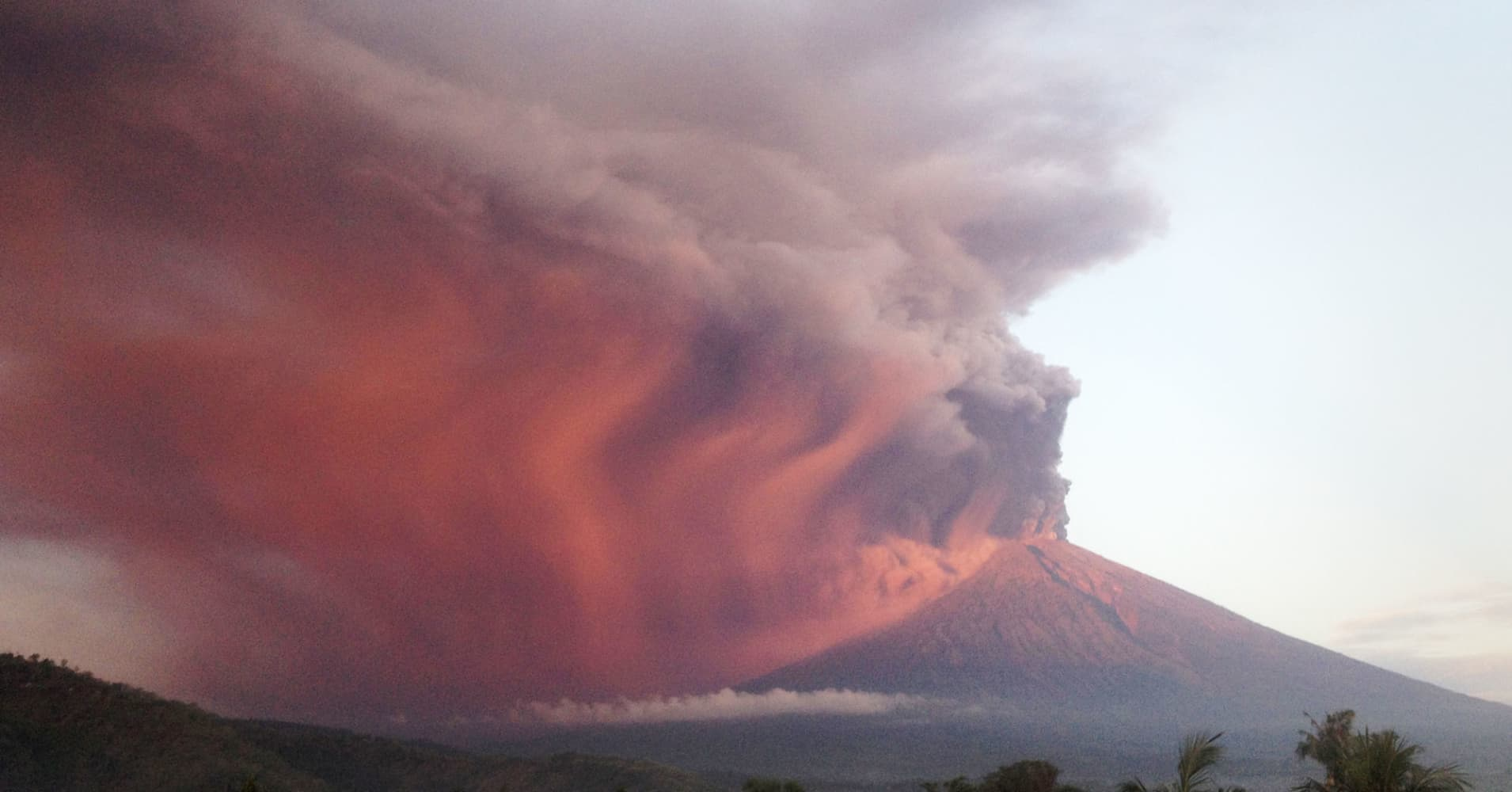 Indonesia's Mount Agung volcano erupts as seen from Amed, Karangasem, Bali, Indonesia November 26, 2017.