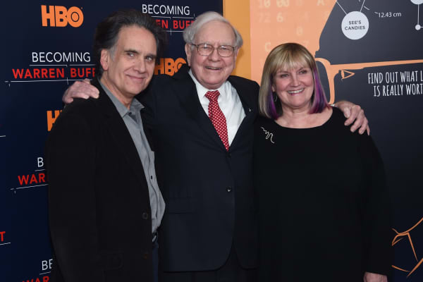 Peter Buffett, Warren Buffett, and Susie Buffett attend 'Becoming Warren Buffett' World Premiere at The Museum of Modern Art on January 19, 2017 in New York City. (