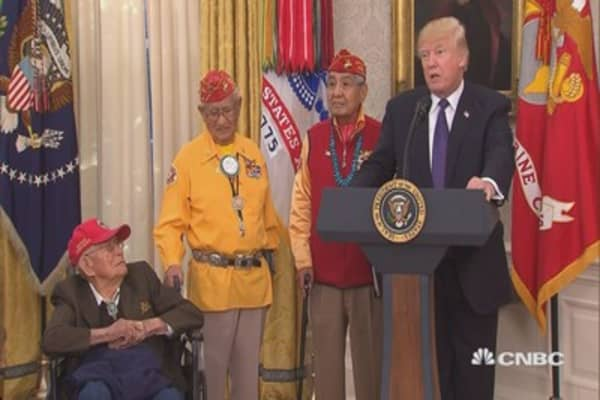 Trump repeats 'Pocahontas' jab at Sen. Warren during event for Native American veterans