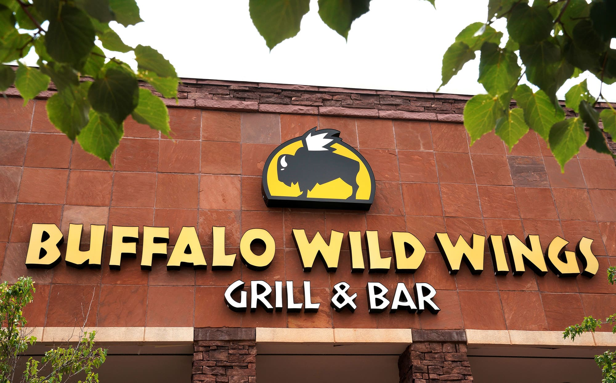 Buffalo Wild Wings Apologizes For Offensive Twitter Posts Says