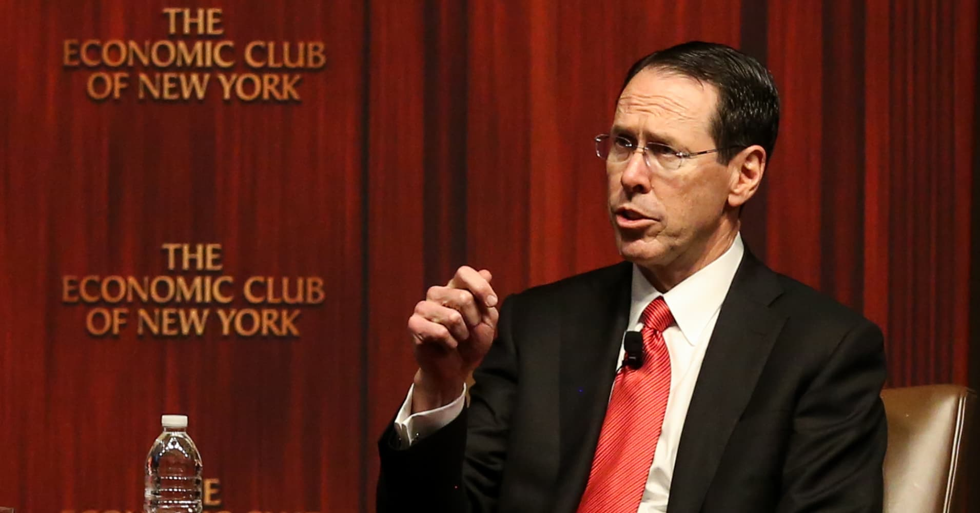 AT&T CEO: I had dinner with a bunch of CEOs and we don't see market correction changing our outlook