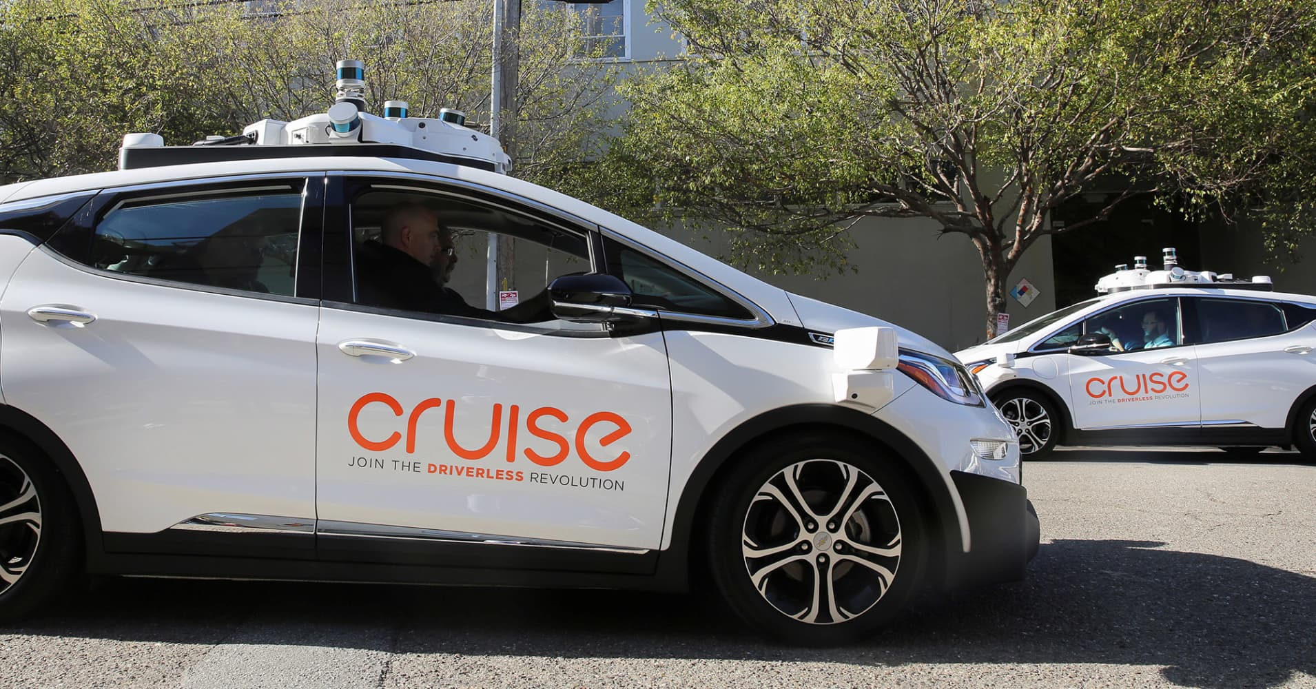 General Motors plans to take on ride-sharing services with self-driving cars by 2019