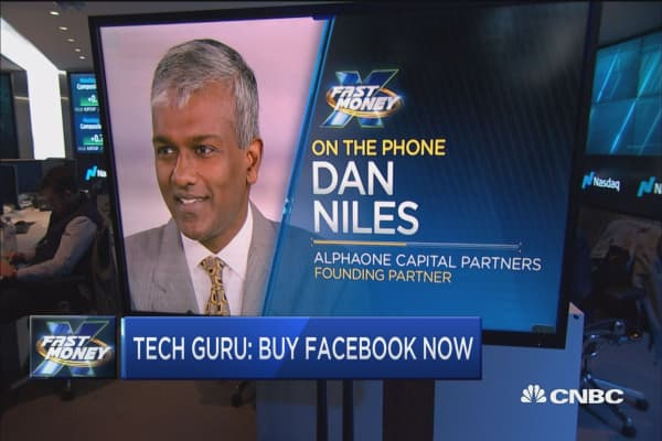 Famed tech investor says Facebook is your best tech bet