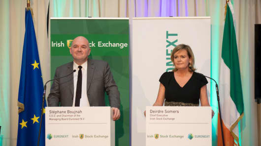 Deirdre Somers, chief executive officer of Irish Stock Exchange Plc (R), and Stephane Boujnah, chief executive officer Euronext NV, during a news conference at the Irish Stock Exchange in Dublin, Ireland, on Thursday, November 30, 2017.