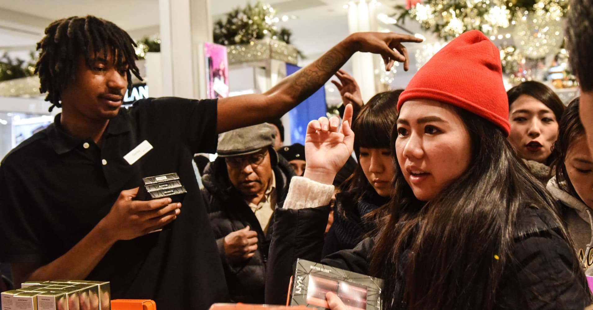 Macy's will hire 7,000 more workers after Black Friday rush