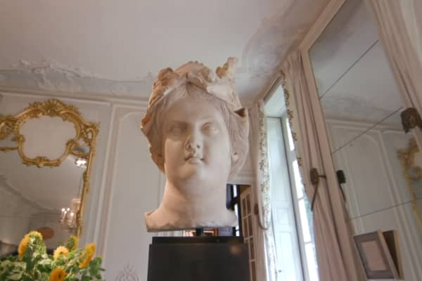 Ancient Greek goddess sculpture from 212 BC