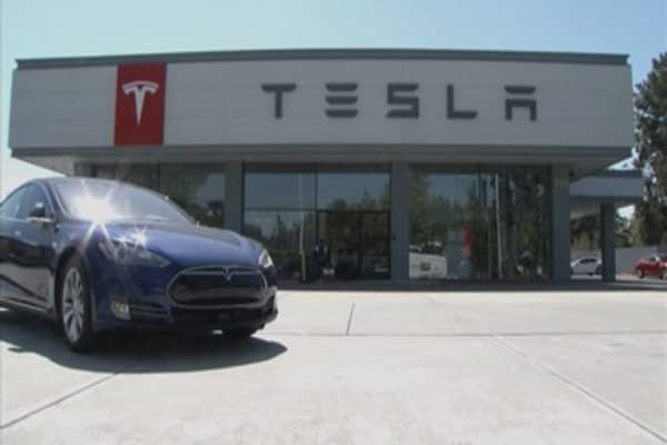 JPMorgan has a new short idea: Tesla shares to fall 40%