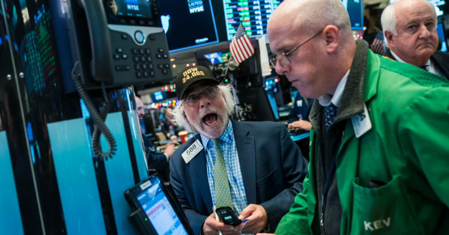 Stocks making the biggest moves midday: CVS Health, Southwest, Charles Schwab & more