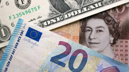 U.S. dollar, British pound and euro notes.