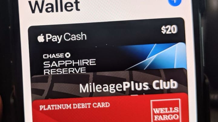 CNBC Tech: Apple Pay Cash 8