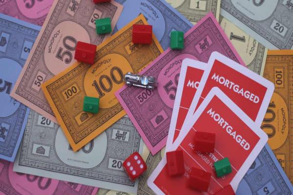 Jim Cramer says Bitcoin is like 'Monopoly money'