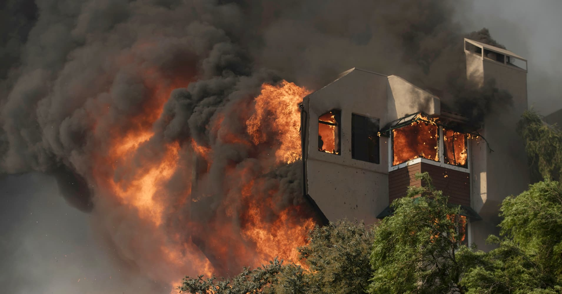 $5 billion worth of Southern California real estate faces significant fire risk