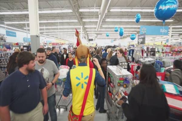 Walmart makes last-minute holiday push for procrastinators