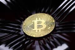 Bitcoin could hit $60,000 in 2018 but another crash is coming, says startup exec