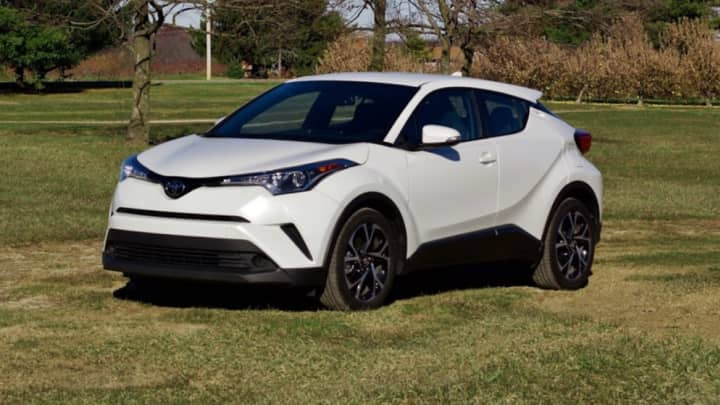 2017 toyota c-hr xle review