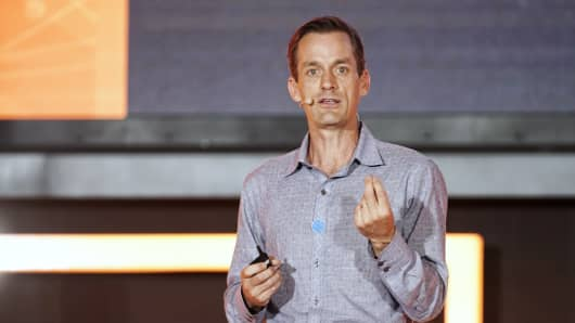 Google senior fellow Jeff Dean speaks at a 2017 event in China.