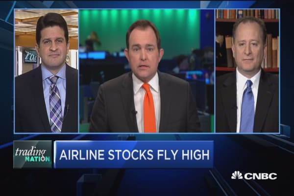 Trading Nation: Airline stocks fly high