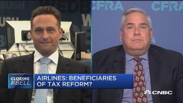 End consumer will not benefit from tax reform at all: Wedbush Securities' Ian Winer