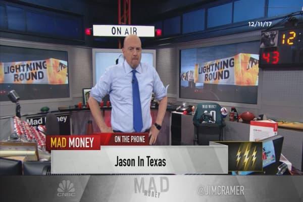 Cramer's lightning round: Buy Wynn Resorts on a pullback