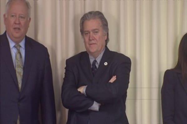 Senate Republicans blame Steve Bannon for Roy Moore's loss