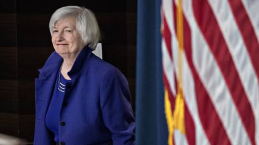 Janet Yellen, chair of the U.S. Federal Reserve, arrives to a news conference following a Federal Open Market Committee (FOMC) meeting in Washington, D.C., U.S., on Wednesday, Dec. 13, 2017.