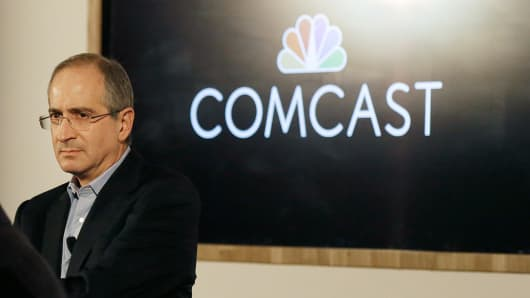 Comcast (CMCSA) Lowered to Neutral at Macquarie
