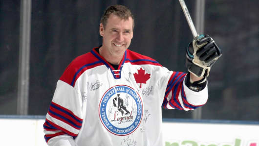 Bernie Nicholls skates at the Hockey Hall of Fame Legends Game November 8, 2009 in Toronto.