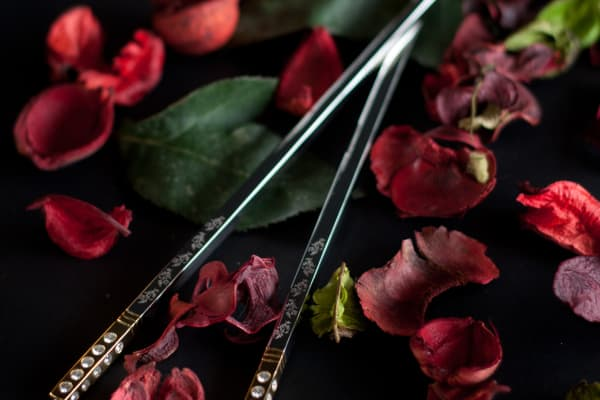 Dinner guests will be awarded gold-plated chopsticks worth $17,000 each, set with 84 diamonds and later engraved with the guests' names to be kept as mementos.